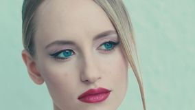 Portret młoda półnaga dziewczyna stanowić wzór zbiory wideo