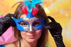Portret młoda piękna dziewczyna w karnawału masce Obrazy Royalty Free