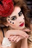 Portret młoda seksowna piękna dziewczyna z czerwonymi pełnymi wargami w kapeluszu w studiu obrazy royalty free