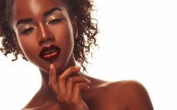 Portret Młody afrykanina model z pięknym makeup w studiu Zdjęcie Royalty Free