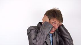 Portret młody człowiek przestraszył gest zdjęcie wideo