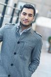 Portret młody człowiek w Listopadu ranku fotografia royalty free