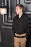 Portret młody człowiek z lampionem zdjęcia royalty free