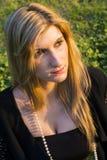Portret młoda blondynki kobieta z brown oczami fotografia stock