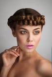 Portret młoda dama z warkoczem Zdjęcia Stock