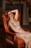 Portret młoda kobieta w art deco stylu Zdjęcia Royalty Free