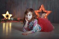 Portret małej dziewczynki sceny gwiazda zdjęcie royalty free