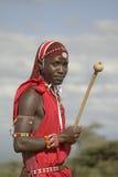 Portret Masai wojownik w tradycyjnej czerwonej todze przy Lewa przyrody Conservancy w Północnym Kenja, Afryka Obrazy Stock