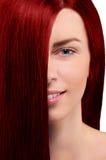 Portret miedzianowłosa dziewczyna na białym tle obrazy royalty free
