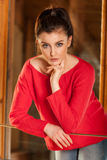 Portret młoda dziewczyna przy indoors Fotografia Stock