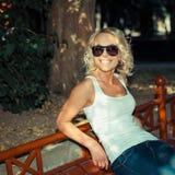 Portret modna blondynki dziewczyna Zdjęcia Stock