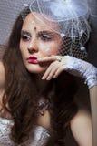 Portret Modna dama w Białej Retro przesłonie - romans obrazy stock