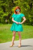 Portret modna rudzielec młoda kobieta fotografia stock
