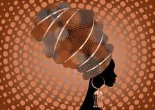 Portret mooie Afrikaanse vrouw in traditionele tulband, druk van de omslag Afrikaanse, Traditionele dashiki van Kente de hoofd, z Royalty-vrije Stock Afbeeldingen