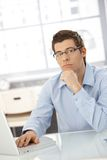 Portret myślący biznesmen Zdjęcia Stock