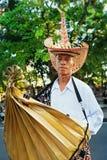 Portret Nusa Tenggara mężczyzna w tradycyjnym kostiumu Zdjęcia Royalty Free