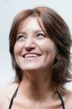 Portret od een jonge gelukkige vrouw stock foto's