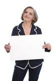 Portret: odosobniony starszy bizneswoman trzyma białego znaka dla fotografia royalty free