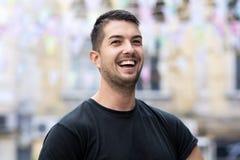 Portret ono uśmiecha się na ulicie piękny młody człowiek Obrazy Royalty Free