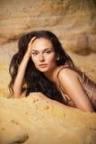 Portret op het zand Stock Afbeelding