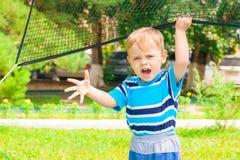 Portret płacz chłopiec w parku Obrazy Royalty Free