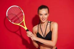 Portret piękna dysponowana młoda sportsmenka obraz royalty free