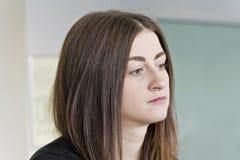 Portret piękna brunetka z długie włosy obrazy royalty free
