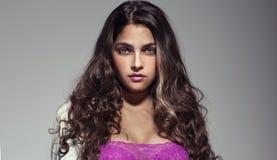 Portret piękna brunetki kobieta zdjęcia royalty free