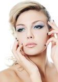 Portret piękna dziewczyna - Kreatywnie makijaż Obrazy Royalty Free
