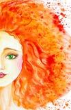Portret piękna Kaukaska dziewczyna z długim czerwonym włosy Włosy rozwija i zwroty w barwioną kroplę opuszczają akwarela ilustracji