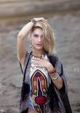 portret piękna kobieta w etnicznym stylu obraz stock