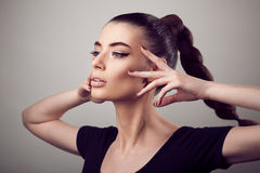 Portret piękna kobieta z perfect skórą i makijażem Fotografia Stock