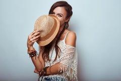 Portret piękna młoda hipis kobieta Zdjęcia Royalty Free