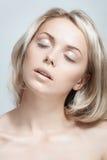 Portret Piękna młoda kobieta obraz royalty free