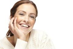 Portret piękna młoda kobieta, patrzeje kamerę fotografia stock