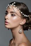 Portret piękna młoda kobieta w studiu Obrazy Royalty Free