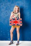Portret piękna młoda kobieta z bagażem Zdjęcie Royalty Free