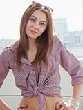 Portret piękna młoda modna dziewczyna Zdjęcia Stock