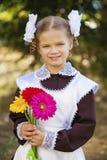 Portret piękna młoda równiarka w świątecznej szkole u zdjęcie royalty free