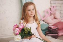 Portret piękna mała dziewczynka Zdjęcia Royalty Free