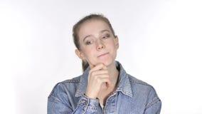 Portret Piękna Myśląca młoda kobieta, Brainstorming zdjęcie wideo