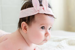 Portret piękna słodka nowonarodzona dziewczynki twarz Zdjęcia Stock