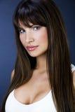 Portret piękne kobiety z dużymi boobs fotografia royalty free