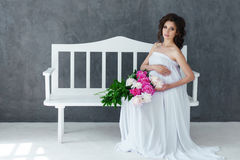 Portret piękni potomstwa ciężarni Zdjęcia Royalty Free