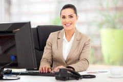 Bizneswoman w biurze zdjęcia stock