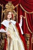 Portret piękny princess z korony mienia ręki dzwonem obrazy stock