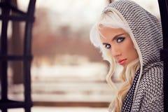 Portret piękna blondynki dziewczyna z makeup Fotografia Stock