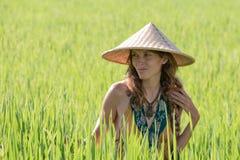 Portret piękna dziewczyna w naturze, zamyka up Zdjęcia Royalty Free