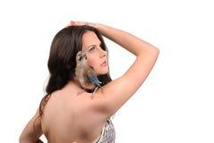 Portret piękna dziewczyna z ptakiem Zdjęcia Royalty Free