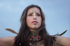 portret piękna kobieta w etnicznym stylu zdjęcie stock